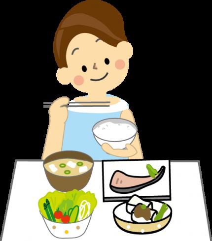 タンパク質を食べる女性